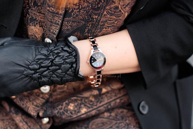 800-otianna-total-black-egipskie-wzory-print-egipt-otien-zegarek-ruda-plaszcz-trapery-otien-zegarek