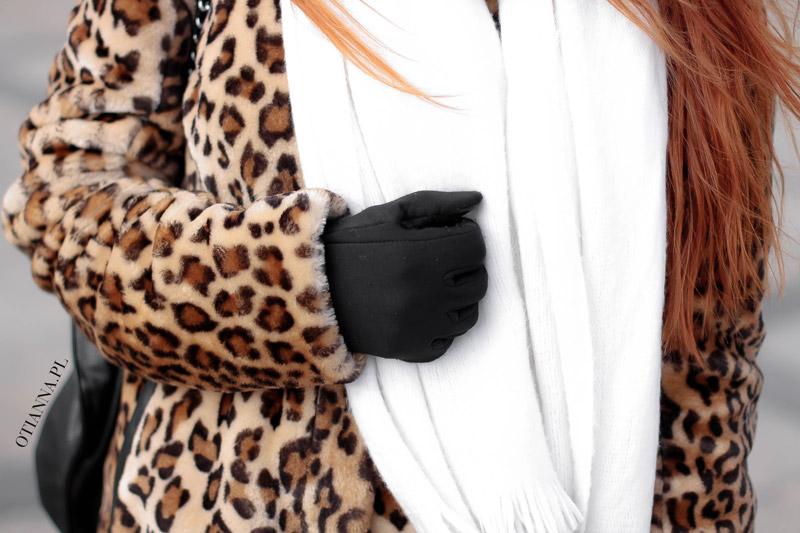 otianna-futro-futerko-panterka-lampart-stylizacja-moda-plaszcz-kobiecy-biale-spodnie-trapery-5