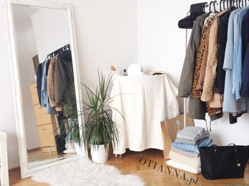 baner-800x600-post-pokoj-otianna-minimaliz-biel-ubrania-7