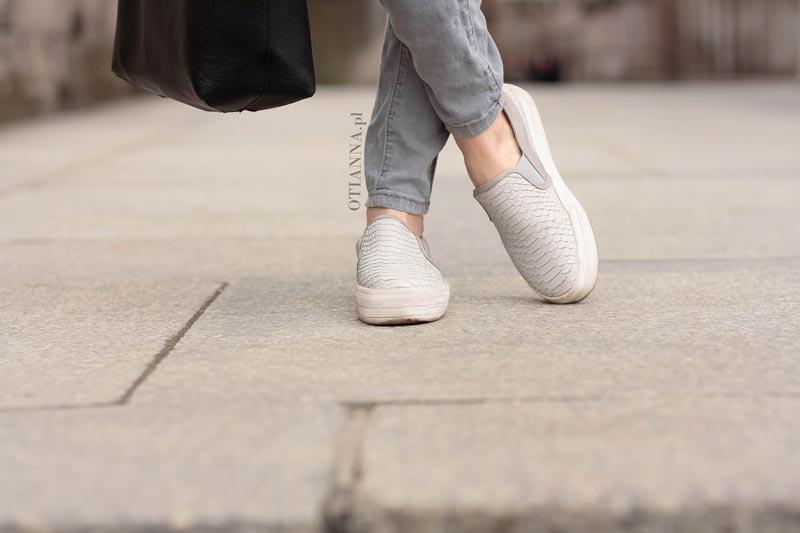 800x-9-bag-dress-otianna-bluza-spodnie-slipon-vices-stylizacja-warszawa-palac-greyfashion