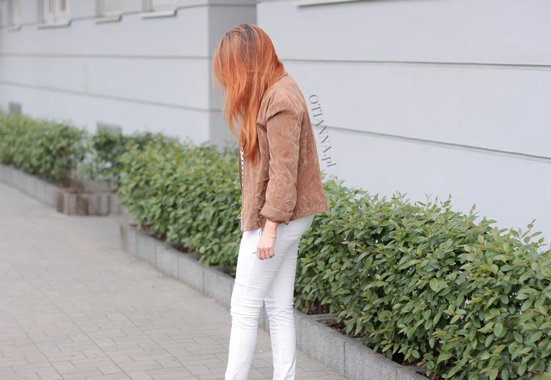 800x-7-otianna-kurtka-suede-zamsz-torebka-szara-paski-biale-spodnie-slip-on-grey