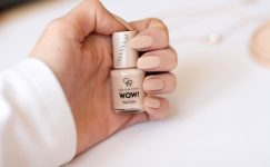 Lakier do paznokci – Golden Rose WOW! numer 93 - Nail Color - odcień nude