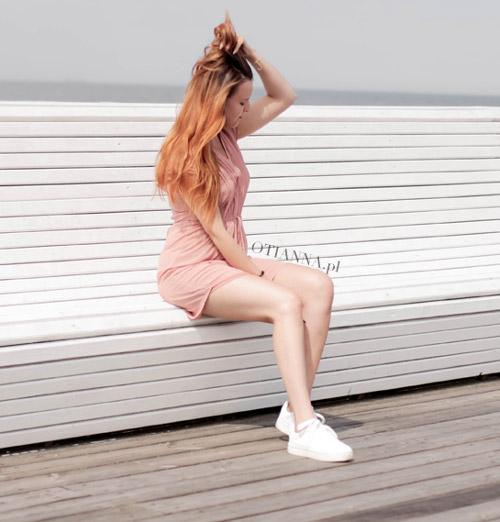 500-banner-sukienka-plaza-hm-rozowa-adidasy-nike-buty-sportowe-do-sukienki-otianna