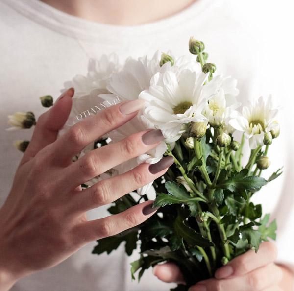 600-kwiaty-otianna-opinia-lakiery-h&m-lakier-hm-paznokci-nailpolish-nude-cena