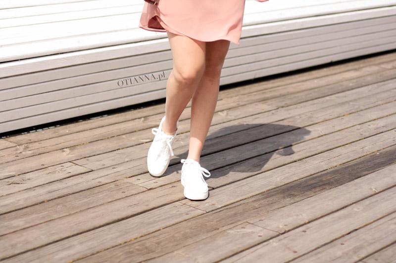 800--sukienka-plaza-hm-rozowa-adidasy-2nike-buty-sportowe-do-sukienki-otianna