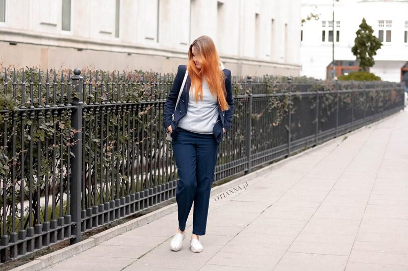 800x-2-granatowy-komplet-otianna-berezowska-anna-berezowska-aniaberezowska-marynarka-spodnie-slipon-sgranatowe-elegancka-stylizacja-blog-modowy