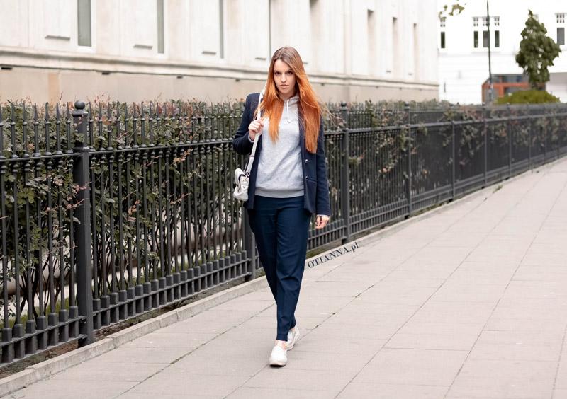 800x-granatowy-komplet-otianna-berezowska-anna-berezowska-aniaberezowska-marynarka-spodnie-slipon-sgranatowe-elegancka-stylizacja-blog-modowy