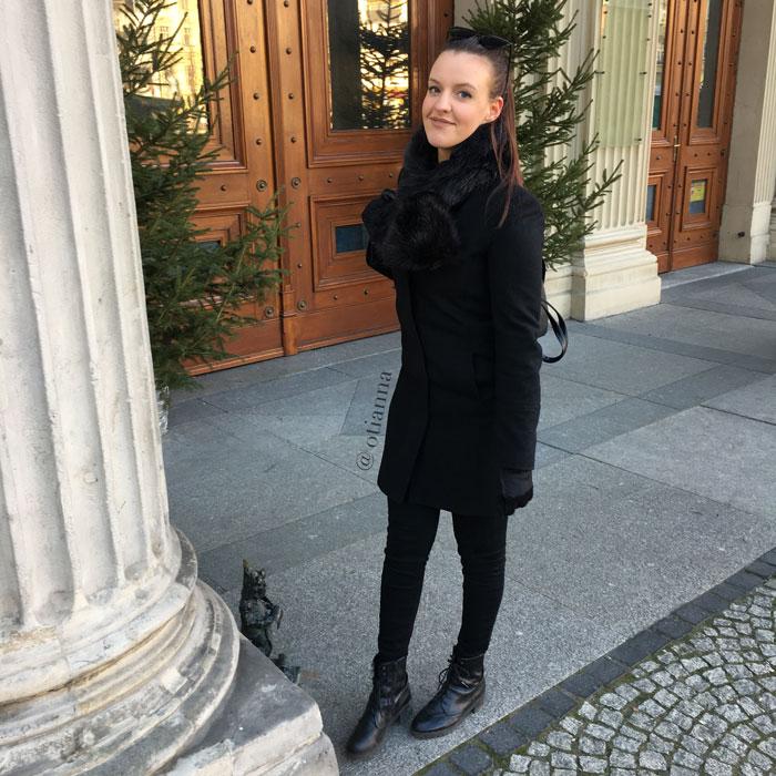 700-2-wroclaw-okulary-stylizacja-lotnisko-otianna-instagram
