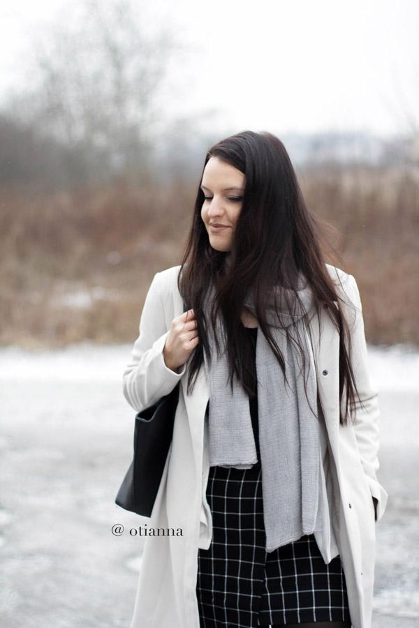 600-6-otianna-berezowska-anna-plaszcz-bez-beige-bonprix-spodnica-kratka-style-fashion