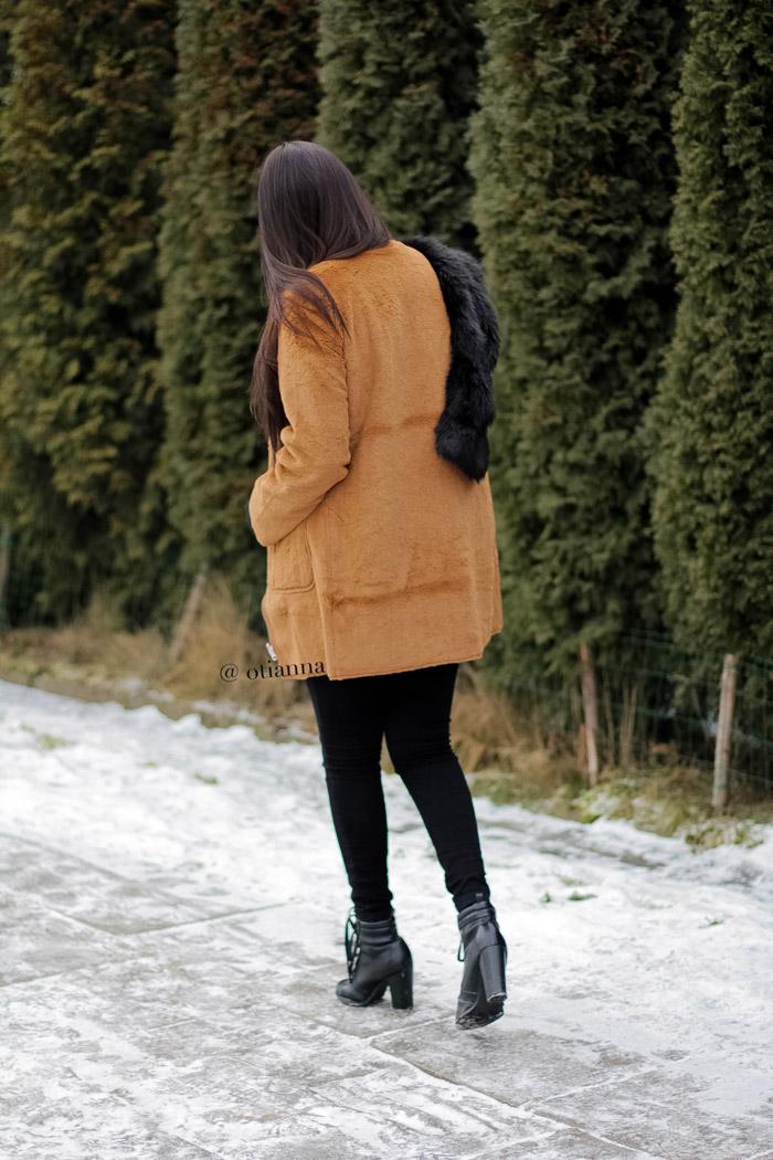 700-41-camel-coat-karmelowy-plaszcz-brazowy-stylizacja-dodatki-otianna