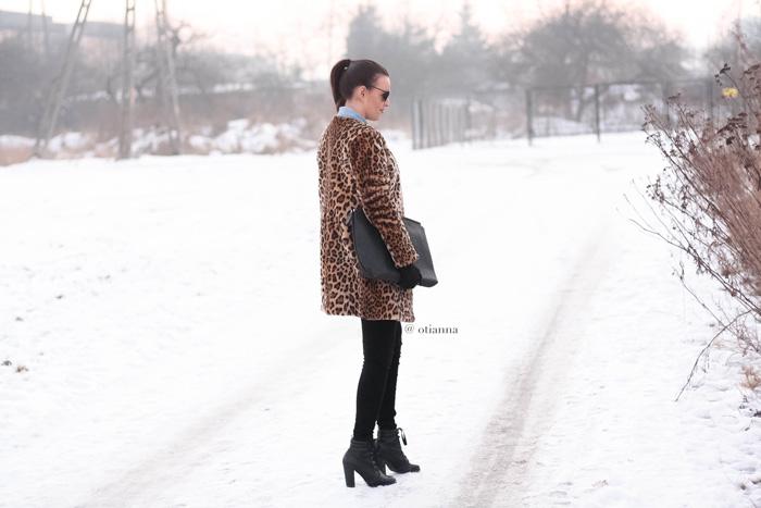 700-4yy-otianna-jeans-panterka-futerko-fur-futro-lampart-panther-denim-winter-style-outfit